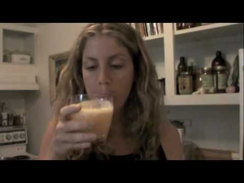 """Check out my NEW YouTube Channel """"Radiance Central"""" - http://www.youtube.com/radiancecentral  All new videos are there!    Join Natasha on her raw foods weight loss journey! Today Natasha will show you how to fillet aloe vera and use the gel to blend into freshly squeezed orange juice. http://www.rawradianthealth.com/blog"""