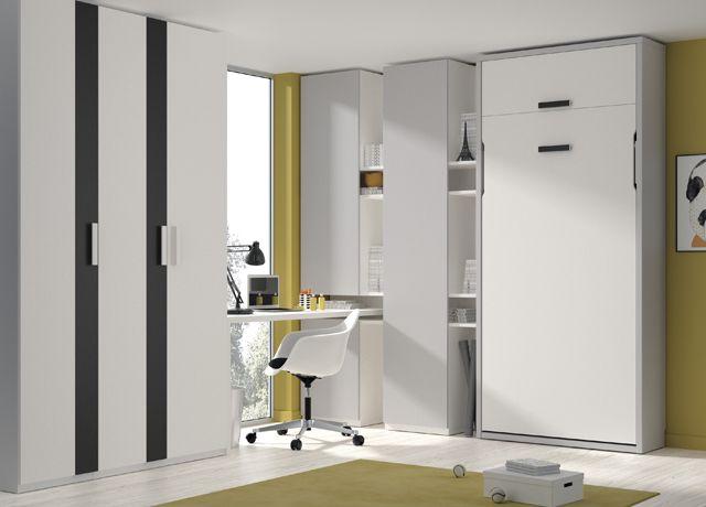 Kids Touch 82: Habitación con cama abatible, armario y escritorio.