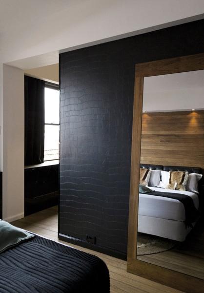 """Chique behang van Elitis, ook veel gebruikt in """"high-end"""" hotelkamers.  Wij hebben de grootste collectie stalenboeken van Gelderland."""