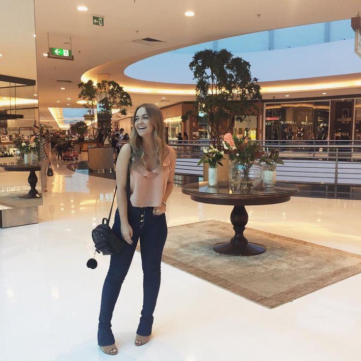 6,400 seguidores, 707 seguindo, 678 publicações - Veja as fotos e vídeos do Instagram de Vanessa de Andrades (@nessadeandrades) #vanessadeandrades #blogdemoda #brasilbloggers #fashion #moda #look #lookdodia