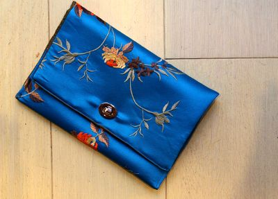 THEIA Lab's student Lizanna Mitropoulou created this beutiful clutch.