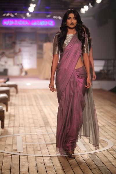 dhoop chaon sari, mauve and silver sari, silver blouse, boat neck blouse, silver shimmer blouse