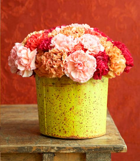 fleurs: Buckets Decor, Spring Flowers, Buckets Lists, Flowers Container, Carnations Arrangements, Flowers Power, Carnations Flowers, Orange Flowers, Floral Arrangements