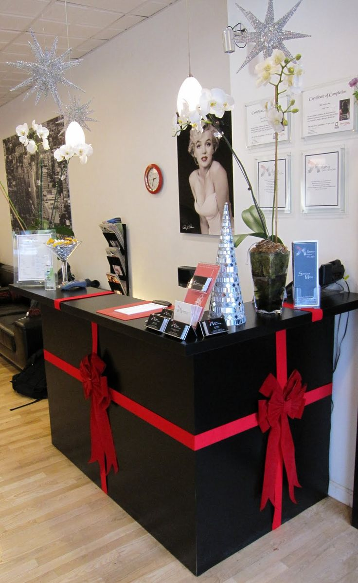 1000 ideas about salon decorating on pinterest hair for Salon xmas decorations