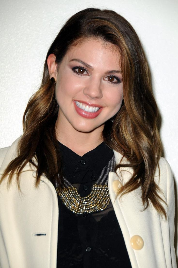 I love Kate mansi's hair I may do this