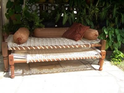 Manjaa / charpoy swoooon! I think I may have to go back to India just to get one. Driving past villages men laze around on these day beds. In all different colours. Silver thread was my favourite. maybe I could make one?
