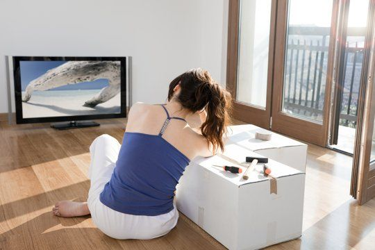 How To Save On Cable, Internet & Phone Providers When You Move | Apartment Therapy