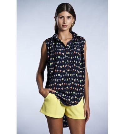 Blusa asimétrica con estampado naif!!