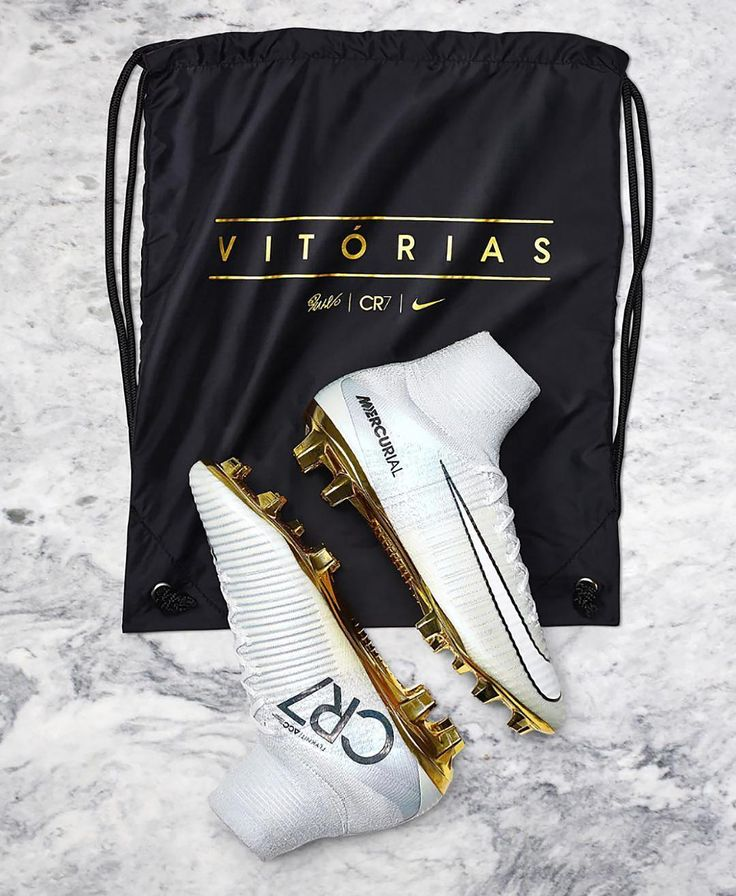 Who will be trying to cop a pair of @cristiano's latest signature boot tomorrow? Comment below and tag a friend who'll love this design! . . Photo; @nikefootball . . #footydotcom #fcfc #footballboot #soccercleats #cleats #football #soccer #futbol #cleats