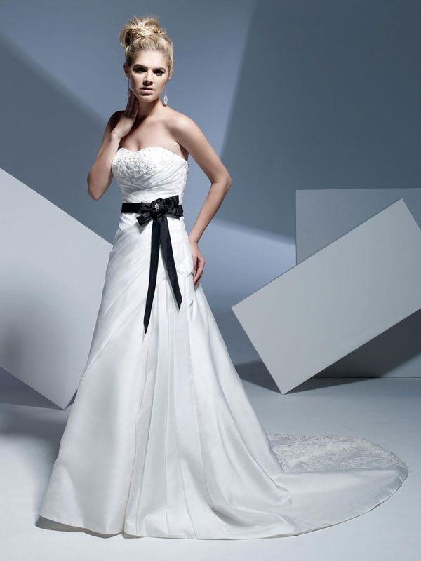 A-line organza sleeveless bridal gown with zipper backDresses Wedding, Wedding Dressses, Dresses Design, Black Belts, Wedding Colors, Bridal Gowns, Accent Colors, The Dresses, Beach Wedding Dresses