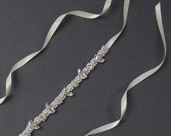 Perle Braut-Gürtel | Perle Hochzeit Kleid Flügel | Dünne Perle Flügel | Schärpe Brautkleid | Strass Flügel | Kristallblume Gürtel [Amara Schärpe]