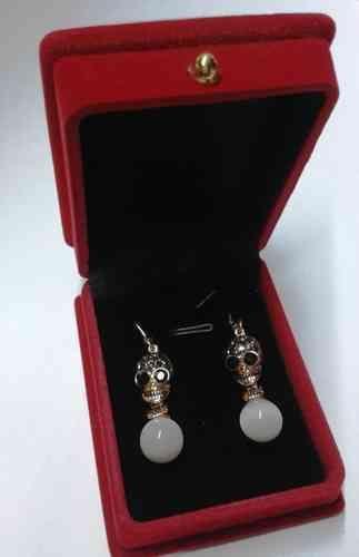 Ohrhänger Totenkopfdesign mit Perle