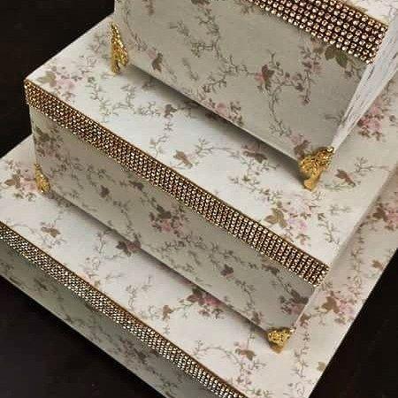 Trio de caixas lindíssimas para decorar sua casa. Encomende as suas em www.ateliecrisetiago.com.br  #caixaorganizadora #caixapersonalizada #caixaemtecido #caixa #box #caixadetecido #caixatecido #caixasorganizadoras #organizandoacasa #casanova #decor #decorhome #decoracao