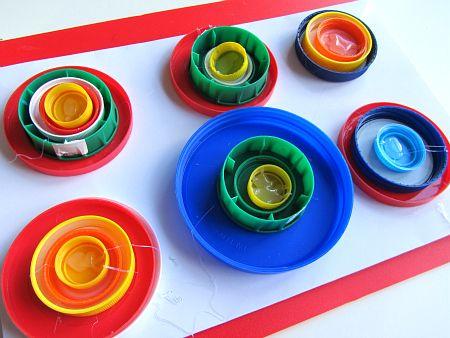 Kandinsky amb taps de plàstic
