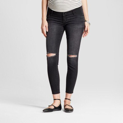 Do you want modern maternity jeans? Check out these stylish maternity jeans jeggings! #ad | maternity jeans | maternity leggings | maternity jeggings | modern maternity | maternity clothes |