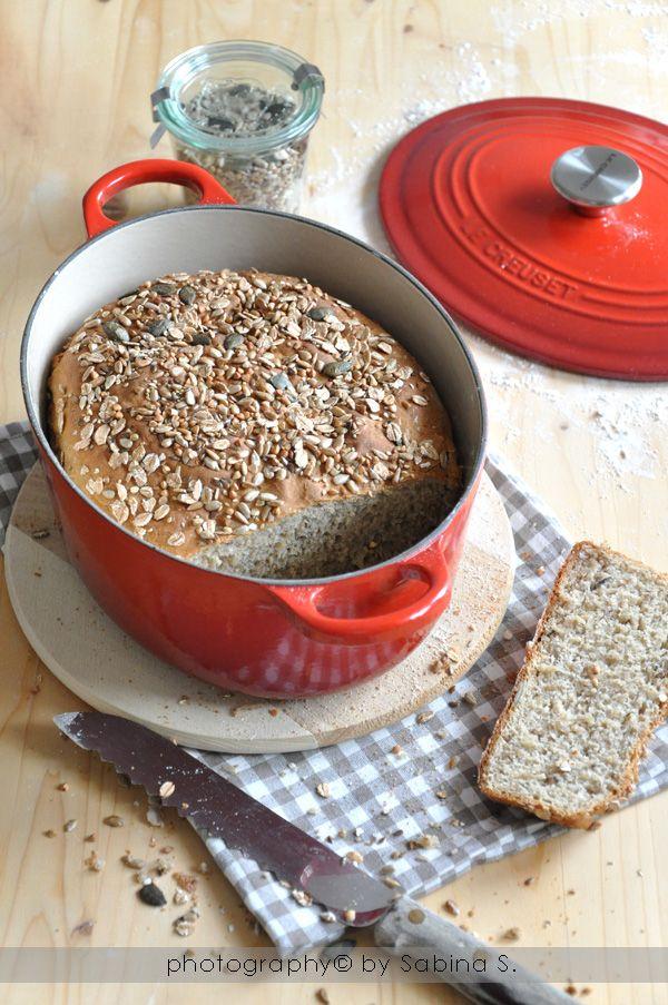 Due bionde in cucina: Pane integrale ai semi in cocotte