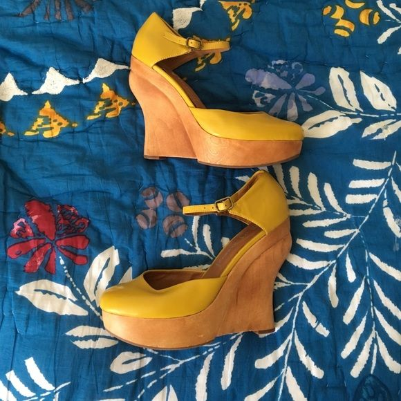 Jeffrey Campbell yellow pumps - GUC Only a few very small scuffs but aside from that perfect condition. They are more of s mustard yellow color which I think my images captured the color spot on. Jeffrey Campbell Shoes Platforms