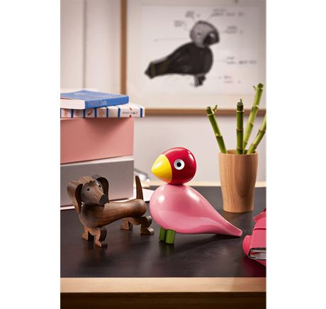 Ruth is named after Kay Bojesen's Swedish daughter-in-law. With her femininity and pink body, she took the family by storm. #kaybojesen #bird #ruth www.kaybojesen-denmark.dk