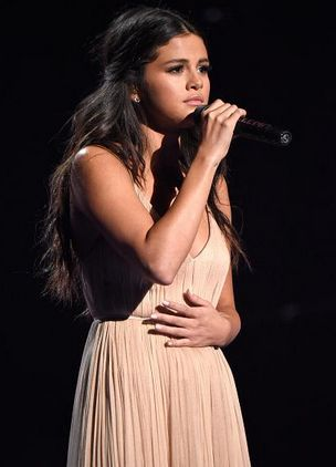 23 of October: Selena Gomez  singing The Heart Wants What It Wants in the American Music Awards 2014.