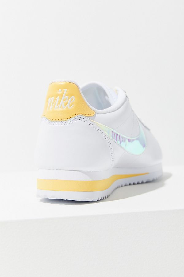 Manhattan Camello hipótesis  Nike Classic Cortez Gel Sneaker | Urban Outfitters | Nike classic cortez,  Sneakers, Nike classic