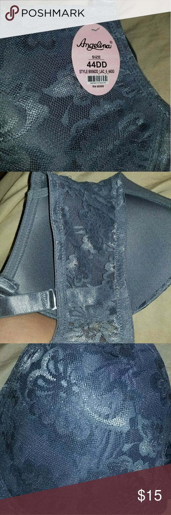 44dd Gray Bra I bought this online and it doesn't fit me. This is brand new!! I bought this through Groupon.  The lace is stretchable.  It has underwire for the support you need. I think it would be comfortable for the right person. Angelina Intimates & Sleepwear Bras
