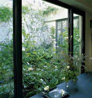 Un patio au centre d'une usine - Marie Claire Maison