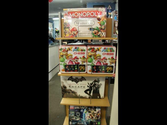 World 8: La mejor tienda de videojuegos de Los Angeles   Gamedots