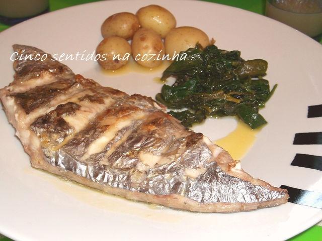 Cinco sentidos na cozinha: Peixe - espada grelhado com molho de manteiga e lima