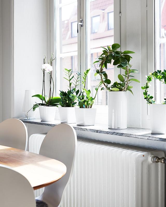 Via Stadshem | Bright White Scandinavian Apartment