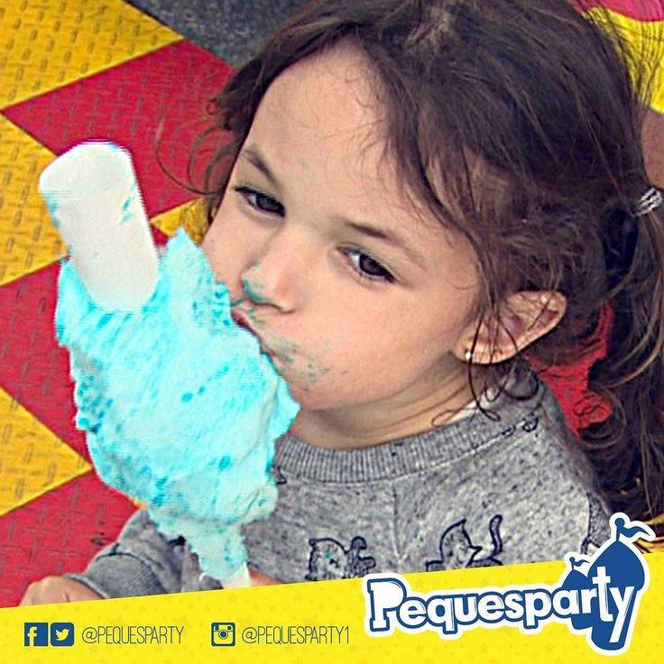 Ñam! Nada más #dulce lce para nuestro paladar que una buena ración de #algodon de #azucar!. Pregunta por nuestros servicios de #comida. PequesParty Fábrica de Sonrisas! #cottoncandy #sweet #sugar #delicioso #kids #fun #yummy #entretenimiento #animacion #inflables #vzla #mcbo #marketing #activaciones #cool #yeah #261  #brincabrinca #globomagia #trampolin #tobogan