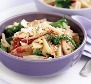 Pasta with chicken & broccolini