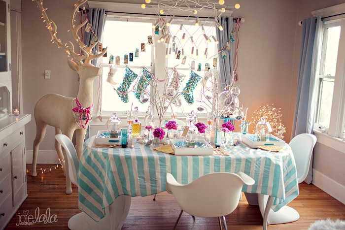 holiday sparkles table / JoieLala Photographie, Sitting in a Tree Events