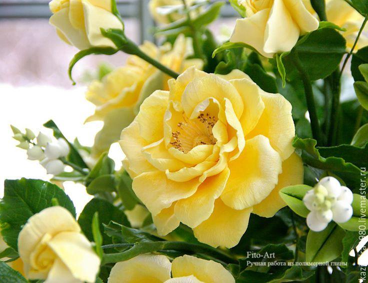 Polymer clay handmade flowers. Купить В НАЛИЧИИ - Букет из желтых роз и снежной ягоды - желтый, букет, букет цветов