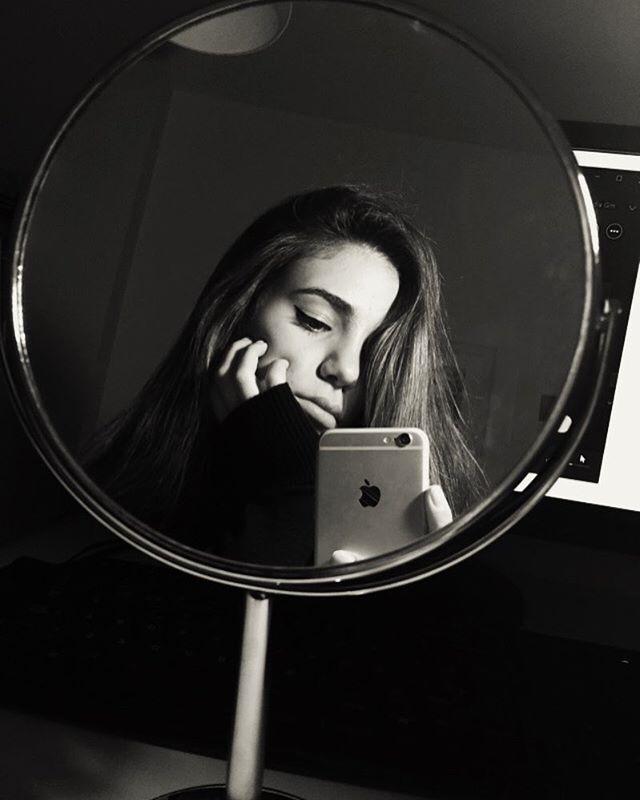 Днем рождения, картинки девушки фото в зеркале