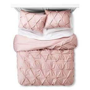 Add a subtle touch of textural dimension to enhance your bedroom decor with the Pinched Pleat Duvet Cover Set from Threshold. The pleated fabric has multiple pin tucks for ultimate softness and texture.