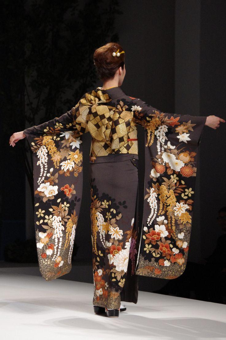 Yukiko Hanai Spring Summer Collection 2012