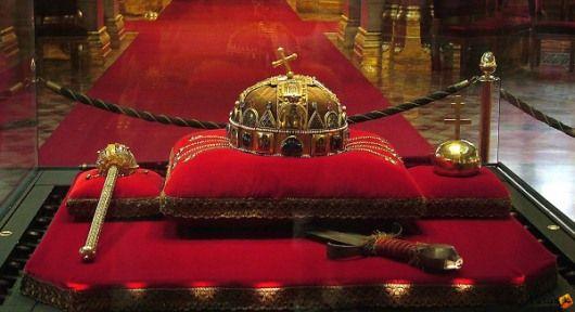 Budapest-Országház-Szent Korona és a koronázási ékszerek