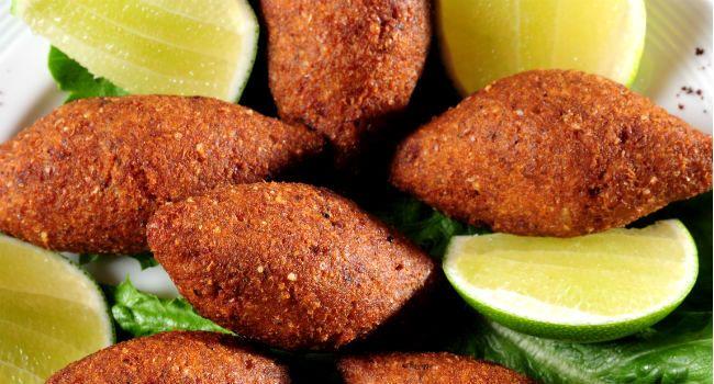 Receita de kibe frito fácil com coalhada picante - Bolsa de Mulher