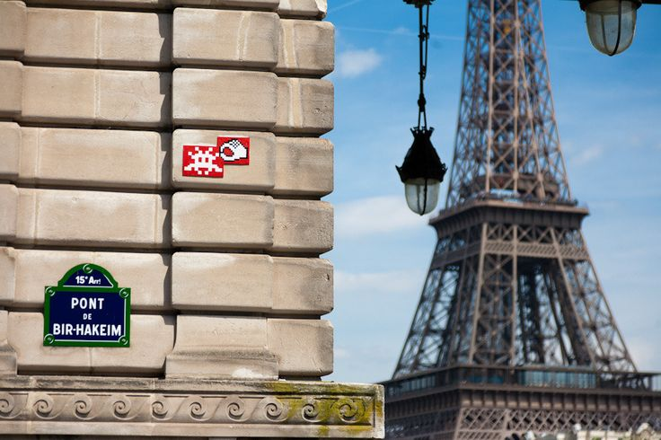Invader - Street Art Paris - streetartparis.org