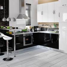 """Résultat de recherche d'images pour """"cuisine noire et blanche design"""""""