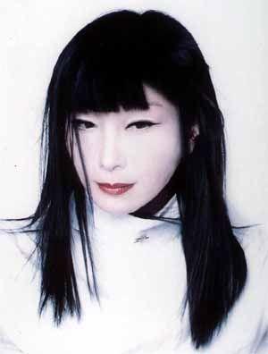 山口小夜子 : 【伝説の日本人モデル】山口小夜子まとめ【日本の美】 - NAVER まとめ