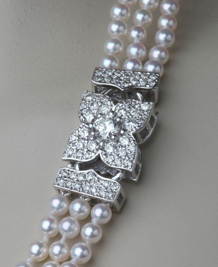 Diamond clasp in 18ct white gold. © Kristen Malan 2015