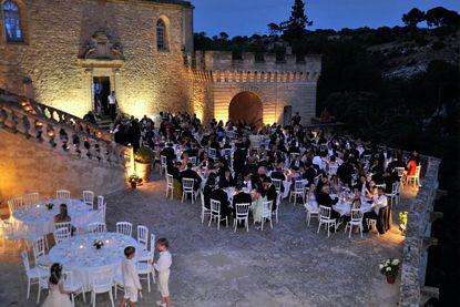 ...  Invitations de mariage pourpres, Mariage et Centres de table