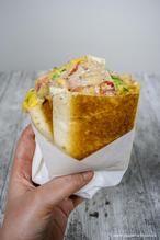 Tuna melt wrap. Gesmolten kaas en tonijn, een heerlijke combinatie!