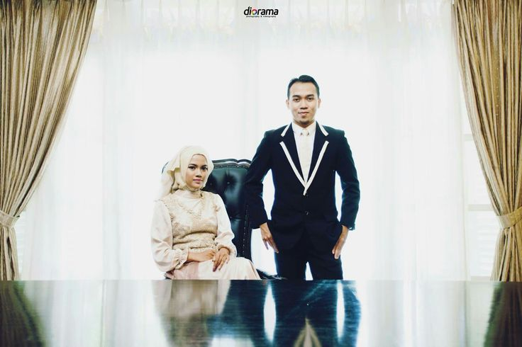 Prewedding, Engagement, Modern, Hijab, Elegant, Indoor, Solo Indonesia by Diorama Fotografi