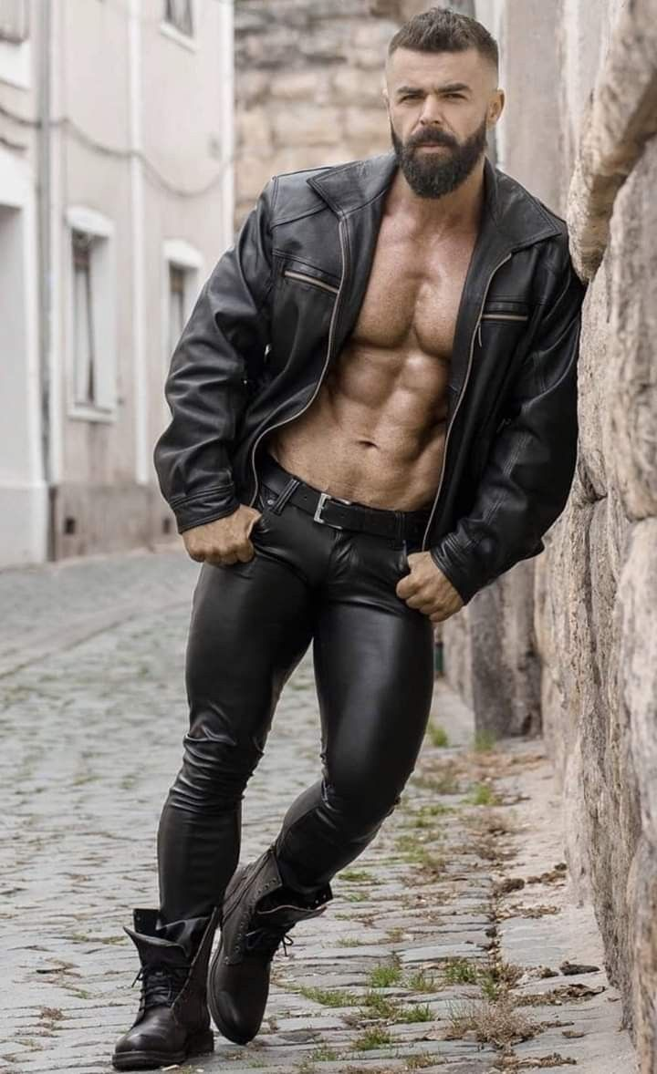 Pin By Johnny Rodriguez Perdomo On Men Leather Leather Jacket Men Mens Leather Clothing Tight Leather Pants [ 1178 x 720 Pixel ]
