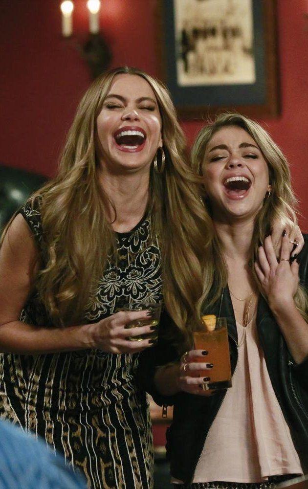 Modern Family: Season 6, Episode 10 Haley's 21st Birthday