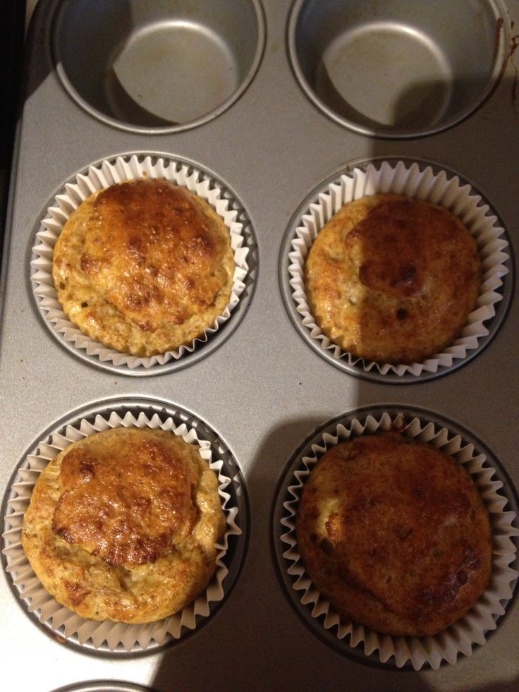 Weetabix muffins. Beat 2 eggs in a bowl, crush two weetabix finely add to eggs, add 1 tsp vanilla essence, 1/2 pot mullerlite vanilla or toffee flavour yogurt and 3 tbsp sweetener. Put in muffin tray and bake 180 for abt 25 mins. Makes 4 muffins. Syn free if using weetabix as hex