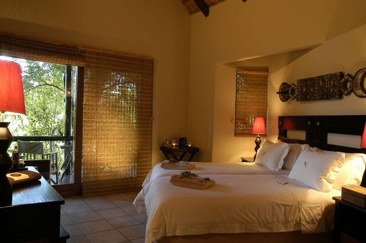 The Kuname Manor House is a suitable safari accommodation option for families travelling with children as well as a small group of friends who enjoy space, privacy and exclusivity during their stay.