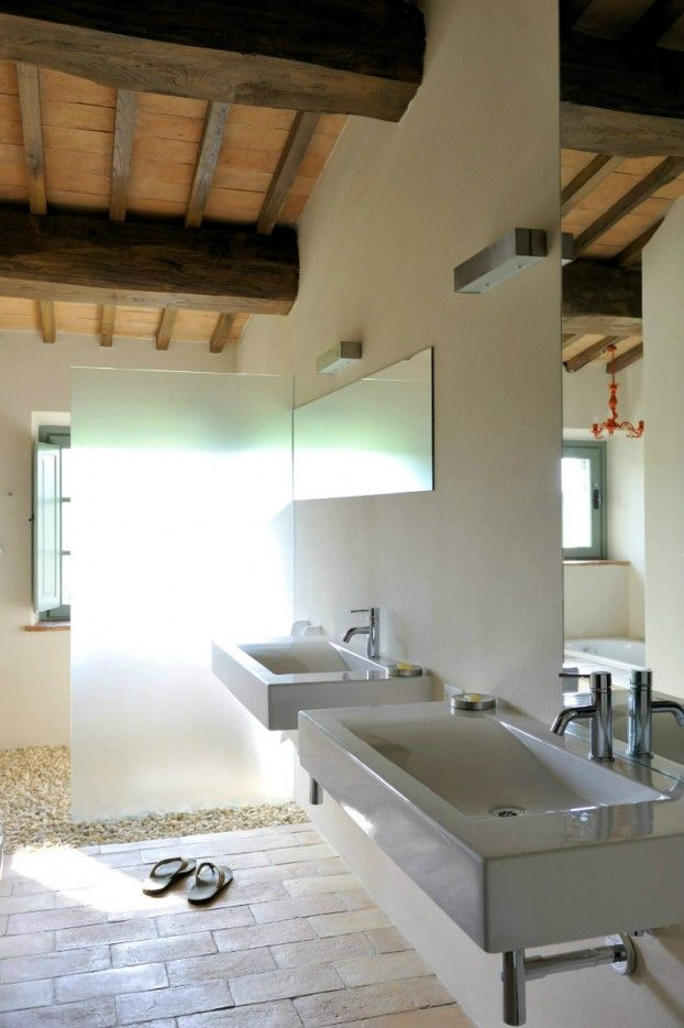Ouderwetse Toscaanse villa met verrassend modern interieur Roomed | roomed.nl